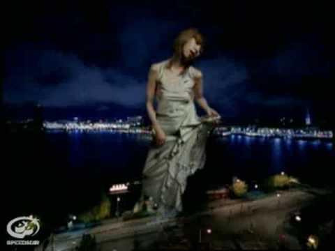 数え足りない夜の足音/UA (Video Clip)