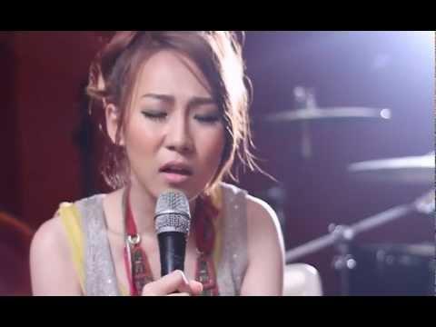 ที่ว่างของความเสียใจ : Nutty [Acoustic Live] (видео)