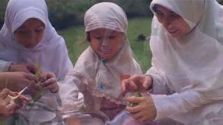 Video SubhanAllah merdu sekali suara Puji-pujian (acapella cover) - #Parentsbesideme MP3, 3GP, MP4, WEBM, AVI, FLV Mei 2019