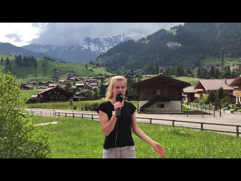 """Wir führen ein Hotel: Noemi Friedli zeigt die Arbeitsplätze im """"Alpina"""" Adelboden. (Video/Schnitt: Elisha Gyger)"""
