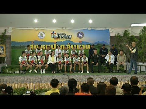 Thailand: Die Höhlen-Jungs durften wieder nach ...