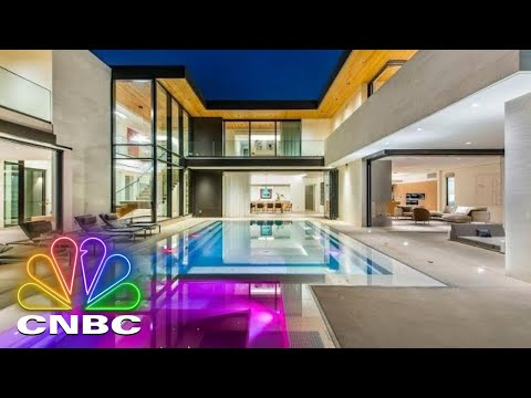 SHARK HOUSE MANSION WITH KEVIN O'LEARY | Secret Lives Of The Super Rich