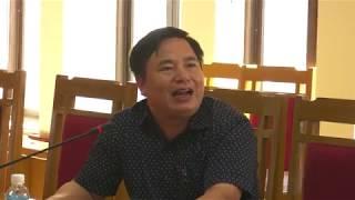 Đồng chí Bí thư Huyện ủy, Chủ tịch UBND huyện Nguyễn Anh Tú nghe và cho ý kiến về tiến độ thực hiện Đề án Du lịch huyện Hoành Bồ