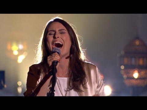 Sharon knalt met een loeiharde versie van 'Just What I Need Tonight'   Liefde Voor Muziek