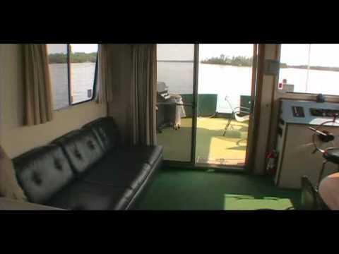 Voyaguer Houseboat