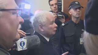 """Mężczyzna zwrócił się do Kaczyńskiego :""""PANIE JARKU""""-ten zarządał interwencji policji."""