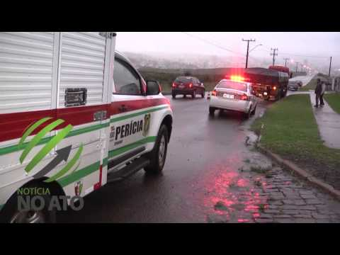 Frentista morre após bater motocicleta na traseira de carreta estacionada