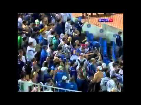 Golazo de Maxi Moralez a Libertad (Copa Libertadores 2011)