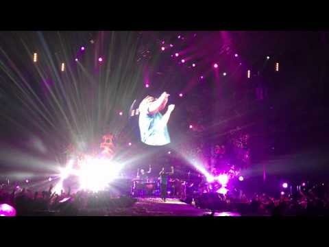 Coldplay Viva La Vida (Live at the O2 Arena London 10 Dec 2011)