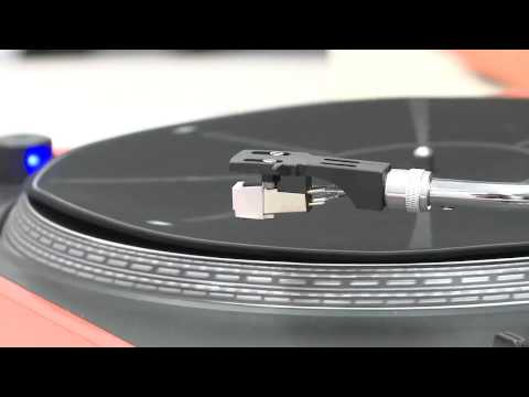 crosley - Aaron Newcomb reviews the Crosley Advance turntable. For the full episode, visit http://twit.tv/byb130.