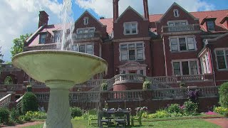 It's the beautiful, historic building that's welcomed visitors since the late 1970s, Jason DeRusha and Matt Brickman report (3:54). WCCO 4 News At 6 – July 27, 2017