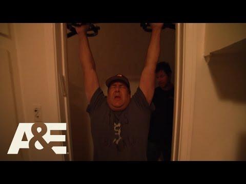 Wahlburgers: Bonus Scene - Pull It Up (Season 4, Episode 8) | A&E