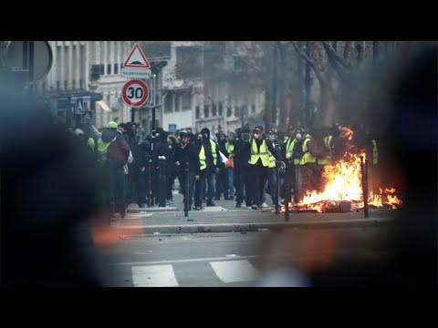 1700 pågrepet under voldsomme demonstrasjoner i Paris