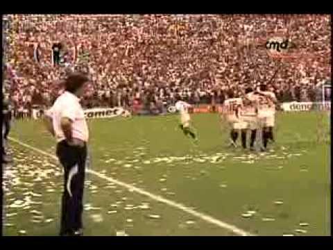 Video - 8 DICEMBRE . DIA DE LA PATERNIDAD CREMA ..EN  MAT(U)TE - Trinchera Norte - Universitario de Deportes - Peru