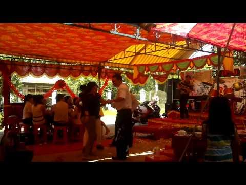 2 dance nhảy cuồng nhiệt trong đám cưới