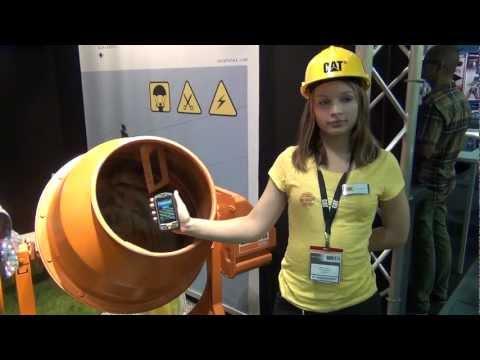 Test novega neuničljivega telefona (CAT B10)