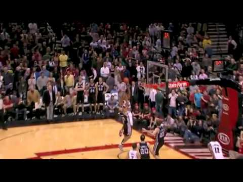 Nicolas Batum beats the buzzer against Spurs