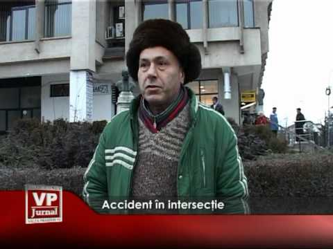 Accident în intersecţie