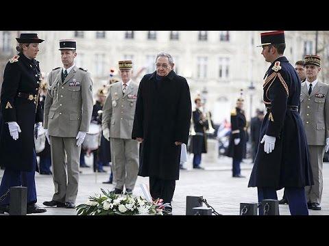 Ιστορική επίσκεψη Ραούλ Κάστρο στο Παρίσι