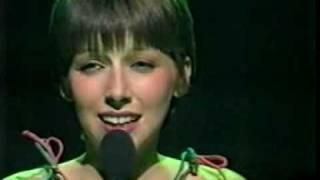 Lena Zavaroni sings 'Home'