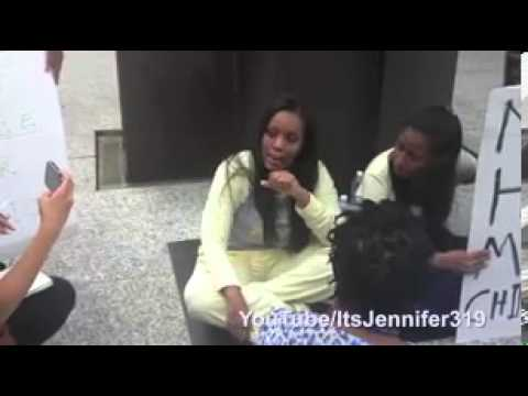 Dwayne Wade's ex wife rants outside Chicago court