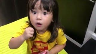 Video Cerdasnya Gempi Ngikutin Mama Ngomong Bahasa Inggris... MP3, 3GP, MP4, WEBM, AVI, FLV Januari 2019
