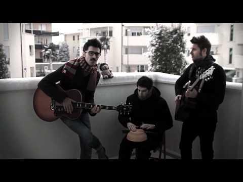 Cardiophobia sul balcone – Come Quando Piove (versione acustica)