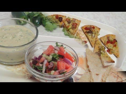 Healthy Mediterranean Appetizer Platter – Hummus, Pita Bread Chips and Mediterranean Style Vegetables