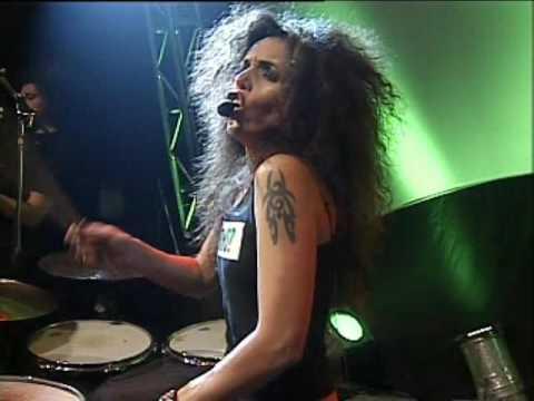 Andrea Alvarez video Esa belleza - Escenario Alternativo 2006
