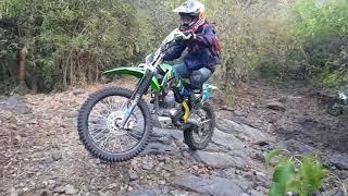 10. Wheelie and enduro klx 140G