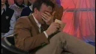 Video Dutch TV presenter wont stop laughing MP3, 3GP, MP4, WEBM, AVI, FLV September 2017
