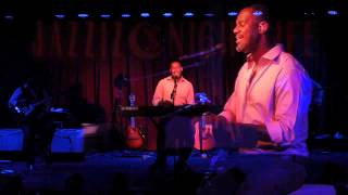 Brian McKnight - One Last Cry ( Live at Jazziz Nightlife )
