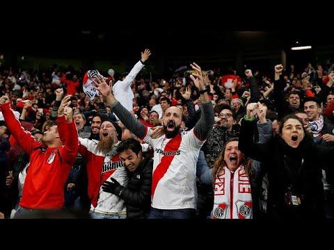 Fußball: Endspiel im dritten Anlauf - River gewinnt d ...