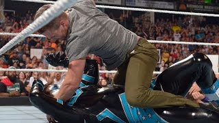 Stephen Amell Throws Down on WWE Monday Night Raw!