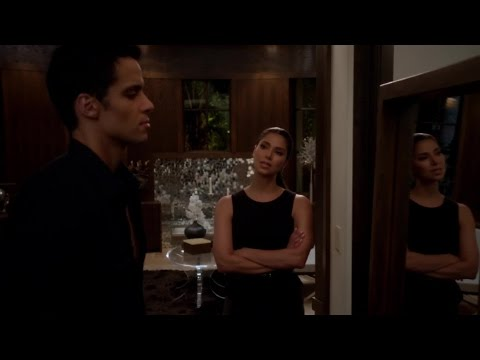 Devious Maids S01E10 Hanging the Drapes