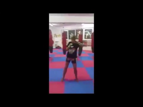 Elisa Qualizza Muai Thai Training