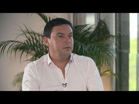 Ο Γάλλος οικονομολόγος Τομά Πικετί στο euronews