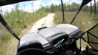 8. **DEEP MUD** SWAMP BUGGY Can-Am Commander Max 1000