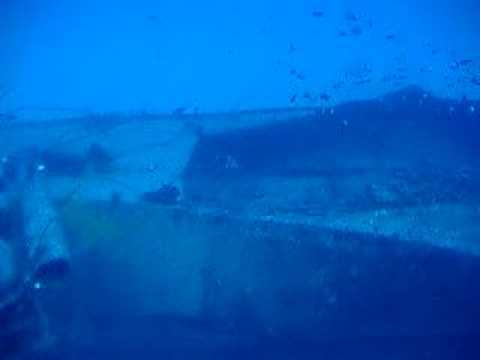 Pecio Kona en Hawai desde swubmarino turistico