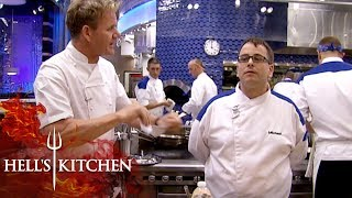 Video Amateur Chef Doesn't Know What's In A Risotto | Hell's Kitchen MP3, 3GP, MP4, WEBM, AVI, FLV Agustus 2019