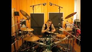 Video Paull Black (CON) Fade in the Darkness Drum playthrough