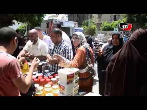 إقبال كبير من المواطنين بالدقهلية علي منافذ الجيش للسلع الغذائية واللحوم