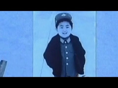 kim - CNN's Elise Labott reports on the new baby pictures of Kim Jong Un released by North Korean state media. More from CNN at http://www.cnn.com/ To license this and other CNN/HLN content, visit...