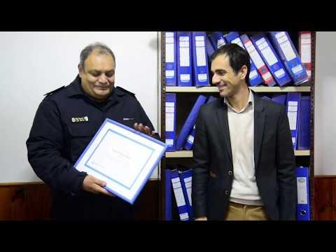 Petrecca recorrió la nueva dependencia policial y despidió a policía que se jubila