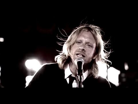 Switchfoot - Dark Horses Lyrics I've made my mistakes I've seen my heart cave in I got my scars I've been to hell and back again Born for the blue skies We'll survive the...