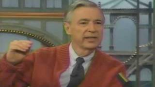 Video Mister Rogers on The Rosie O'Donnell Show MP3, 3GP, MP4, WEBM, AVI, FLV Januari 2019