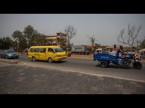 Wie recyceltes Plastik bald Ghanas Straßen pflastern  ...