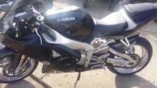 9. 2001 Yamaha YZFR1 U2671
