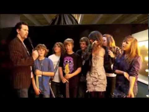 TBT: 12 year old LORDE Performs with school band
