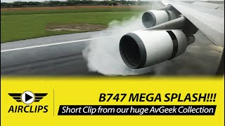 Video INCREDIBLE!! Boeing 747-400 MEGA SPLASH during thrust reverse - EVA Air Taipei Landing!  [AirClips] MP3, 3GP, MP4, WEBM, AVI, FLV Juli 2018